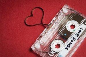 8 melodii pentru a te ajuta să-ți exprimi sentimentele atunci când rămâi fără cuvinte