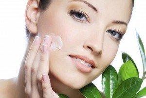 Probleme cu pielea? Iată 5 remedii ieftine pe care le puteți folosi!