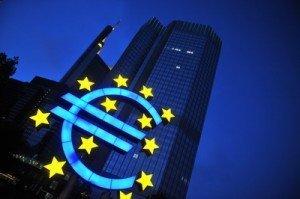 Euro a scazut la 4,0801 lei/euro