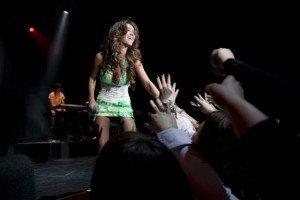 Imagini de la concertul Anahi de la Sala Palatului
