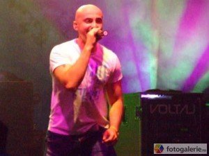 """Single nou: Voltaj – """"Mi-e Dor De"""""""
