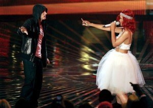 "Versuri – Rihanna feat. Eminem – ""Love the way you lie"" – part 2"
