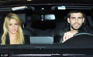 Shakira si Gerard Piqué – primele poze impreuna. Vezi primul sarut oficial!
