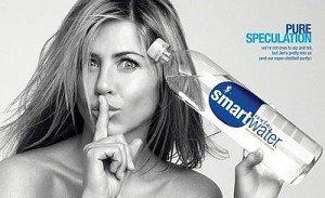 Jennifer Aniston pozeaza topless pentru un spot publicitar