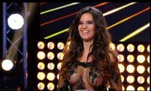 """Andreea Lazar, fosta concurenta de la X Factor a lansat o noua piesa, """"A Bit of My Heart"""". Iata cum suna piesa!"""