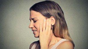 Durere de ureche? Trateaz-o acasă cu aceste remedii simple